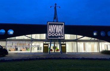 ANYWAY Doors kiest voor TriLEDgy scherm